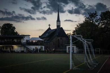 Football is religion bij het Kaiserbergstadion in Linz