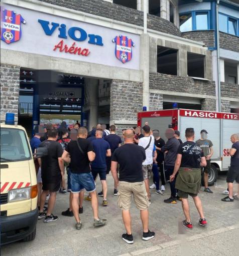 Foto van eerder dit seizoen. Het dichte stadion weerhield supporters van Nitra niet om af te reizen naar Zlaté Moravce (foto via Trogári).