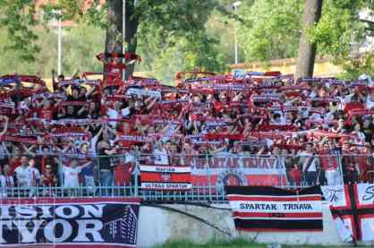 Supporters van Spartak Trnava in 2012 bij FC Nitra (via Ultras.sk).