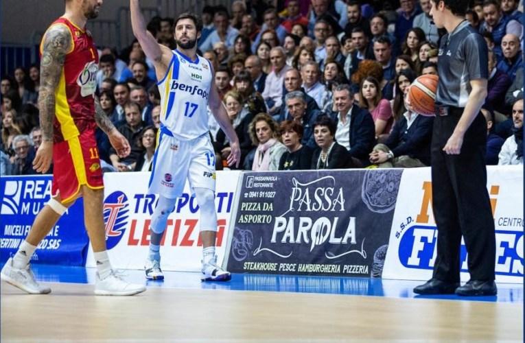 Playoff Basket A2: Parks trascina l'Orlandina in Gara 1, battuta Ravenna 94-79.