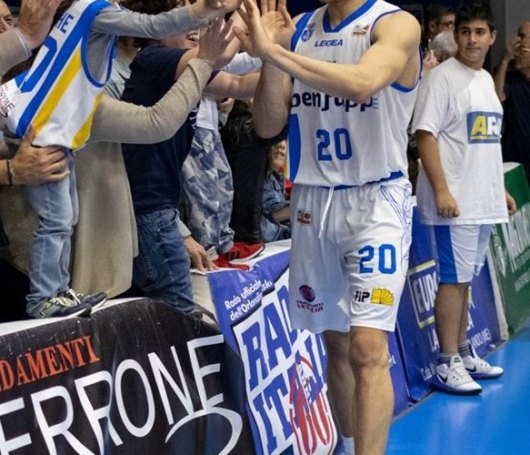 L'Orlandina Basket conquista Gara 1 contro Biella