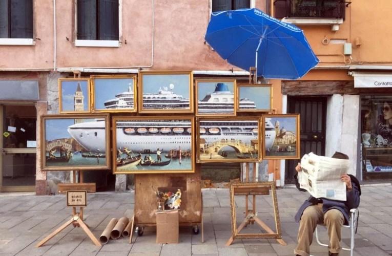 Venezia, Bansky cacciato dai vigili