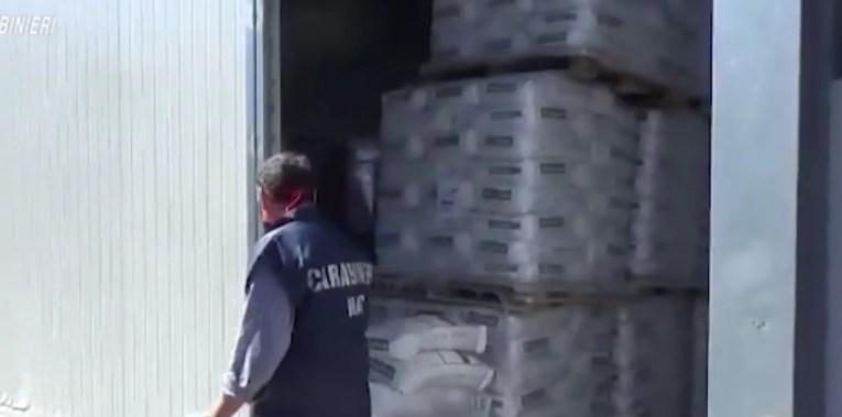 Controlli dei Nas a Capo d'Orlando: nel mirino una nota fabbrica di un'industria alimentare.