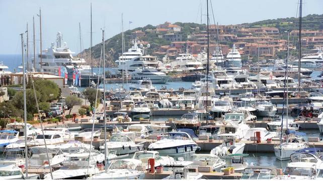 Coronavirus, obbligo di registrazione per chi arriva in Sardegna