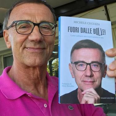 """""""Notturno d'autore"""": domenica Michele Cucuzza alla terrazza sul porto"""