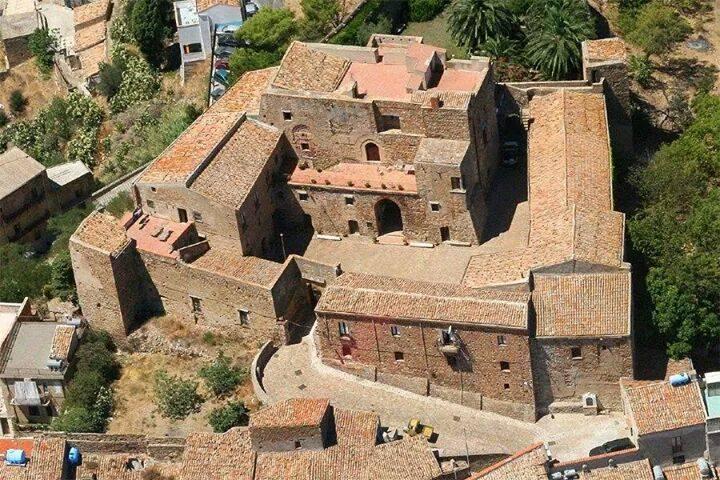 """Capizzi, un milione di euro per il Castello Aragonese, Catalfamo: """"per ridare slancio ai nostri tesori""""."""
