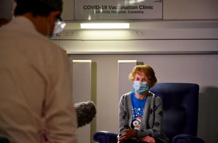 Coronavirus, 90enne in Irlanda del Nord prima vaccinata in Gb.| FOTO
