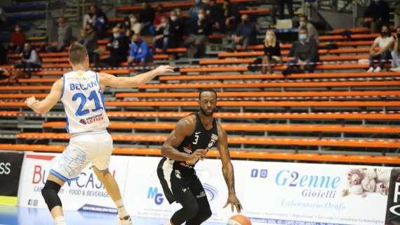 Dominique Johnson da 3 punti allo scadere! Orlandina gelata e vittoria di Udine 98-95