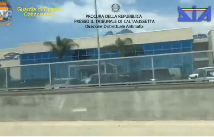 Mafia, sequestrati beni per 68 milioni ai re gelesi della rivendita delle auto