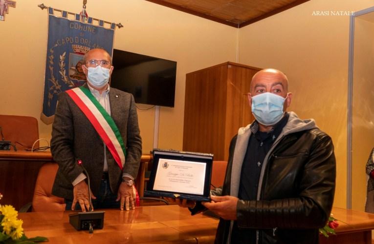Capo d'Orlando premia Giuseppe Di Bello, l'ex carabiniere che ha ritrovato i resti del piccolo Gioele |FOTO