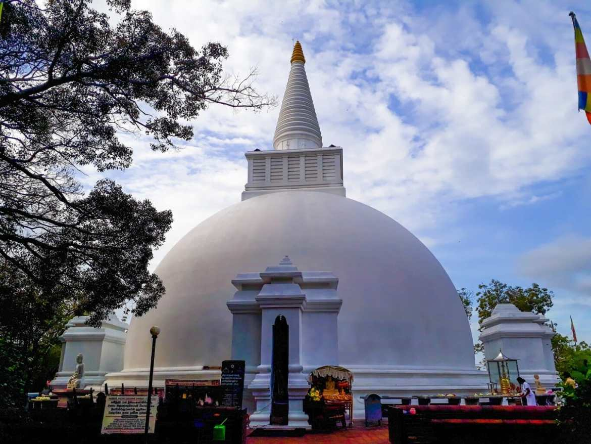 Somawathie Royal Temple closed until further notice