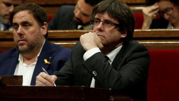 Catalan crisis: Spain PM Rajoy demands direct rule