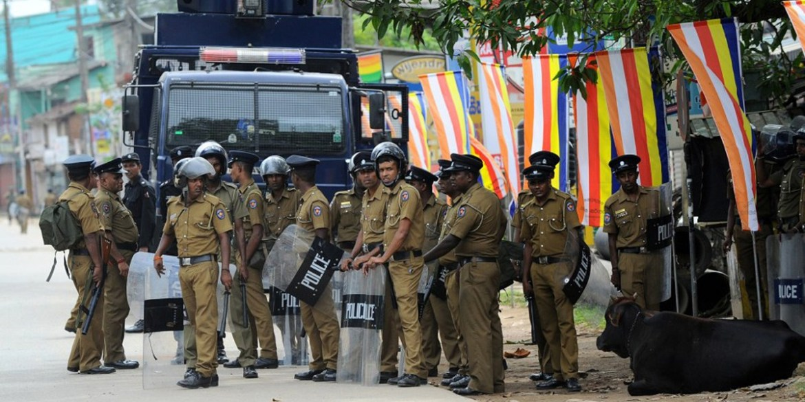 Police curfew imposed in parts of Galle to control tense situation