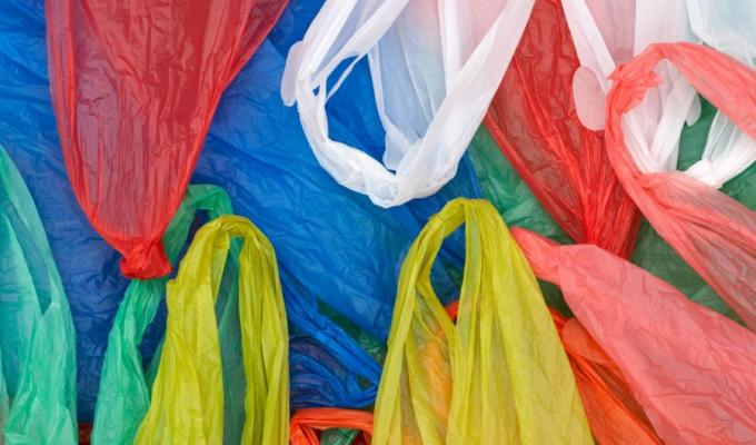Sri Lanka Police to catch illegal polythene products manufacturers and sellers