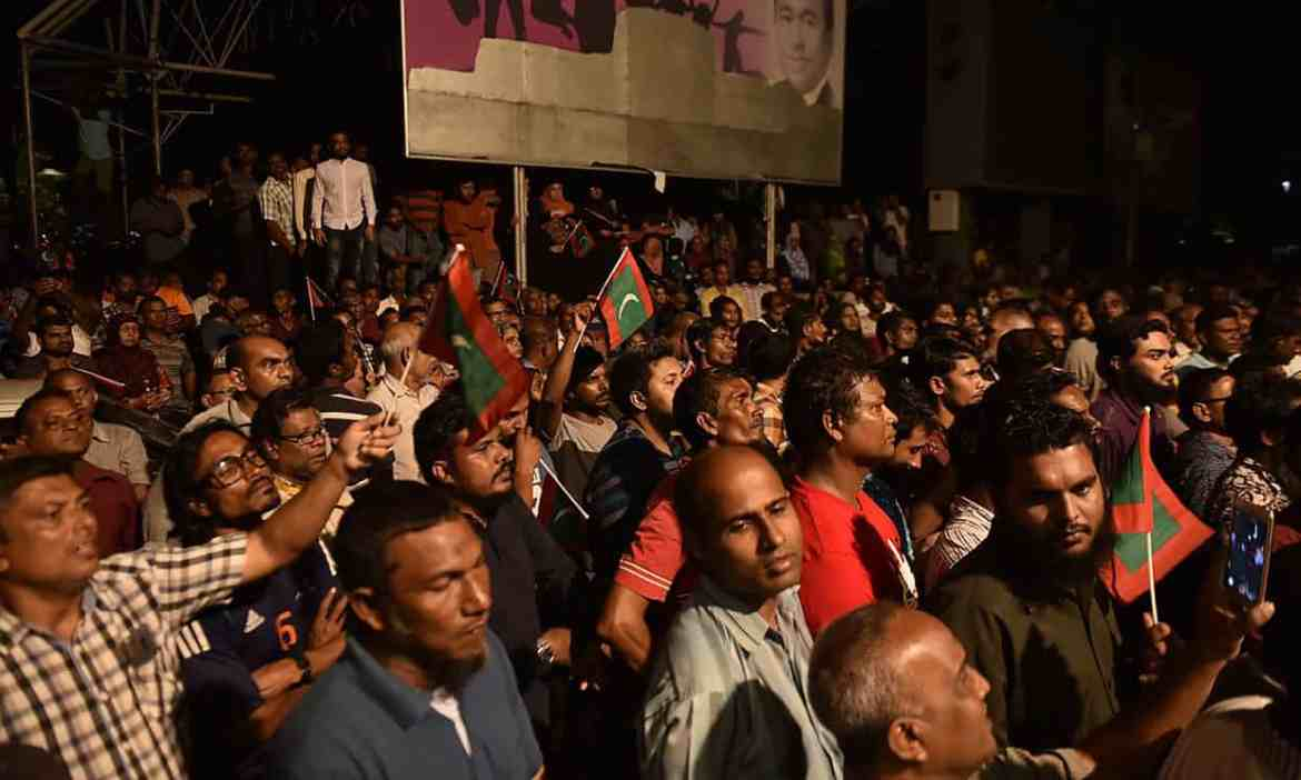 Maldives in chaos as government accuses supreme court of trying to impeach president