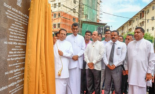 President hands over modern houses to 437 low income families in Colombo