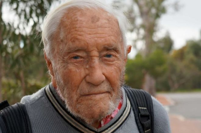 David Goodall: Scientist, 104, ends his life in Switzerland