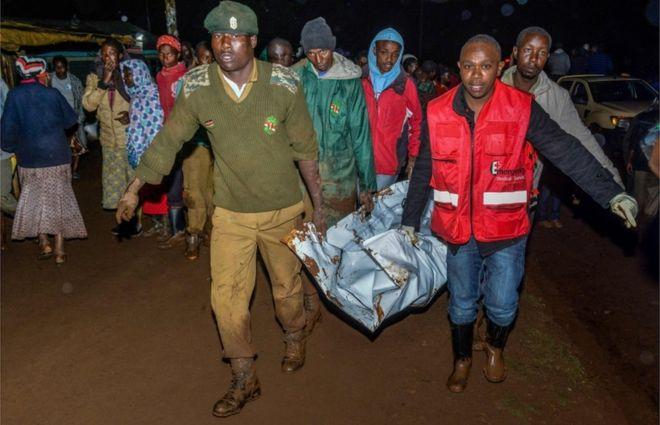 Kenya dam burst 'causes huge destruction'