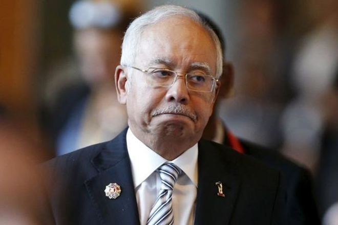 Malaysia election: PM Najib Razak in fight for political survival
