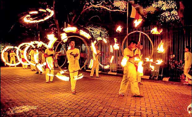 Special train services to Kandy for Esala Perahera
