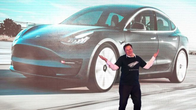 Elon becomes the world's richest man