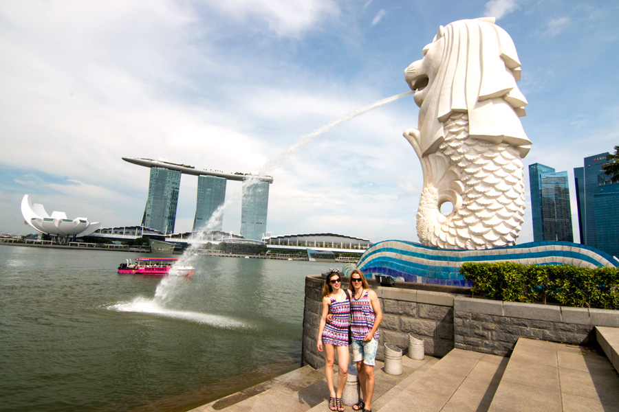 Merlion, Merlion Singapore, What to see in Singapore, what to do in Singapore, best of Singapore, Singapore mascot, travel guide Singapore, travel blog, travel couple in Singapore, romantic couple in Singapore, Singapore guide