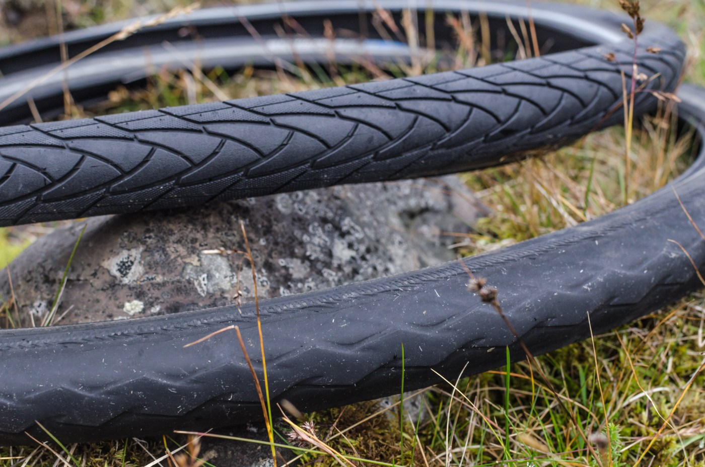 independent people how to cycle in iceland tyre schwalbe marathon