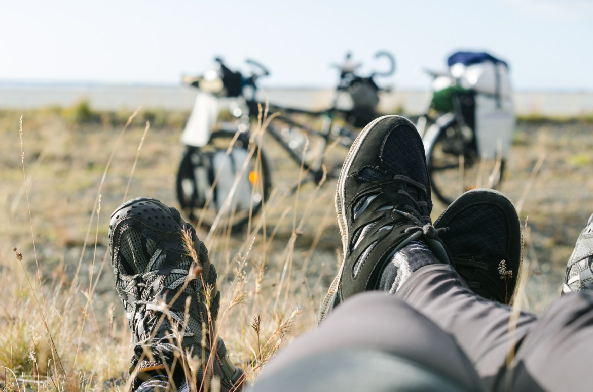 independent people how to cycle in iceland tandem feet