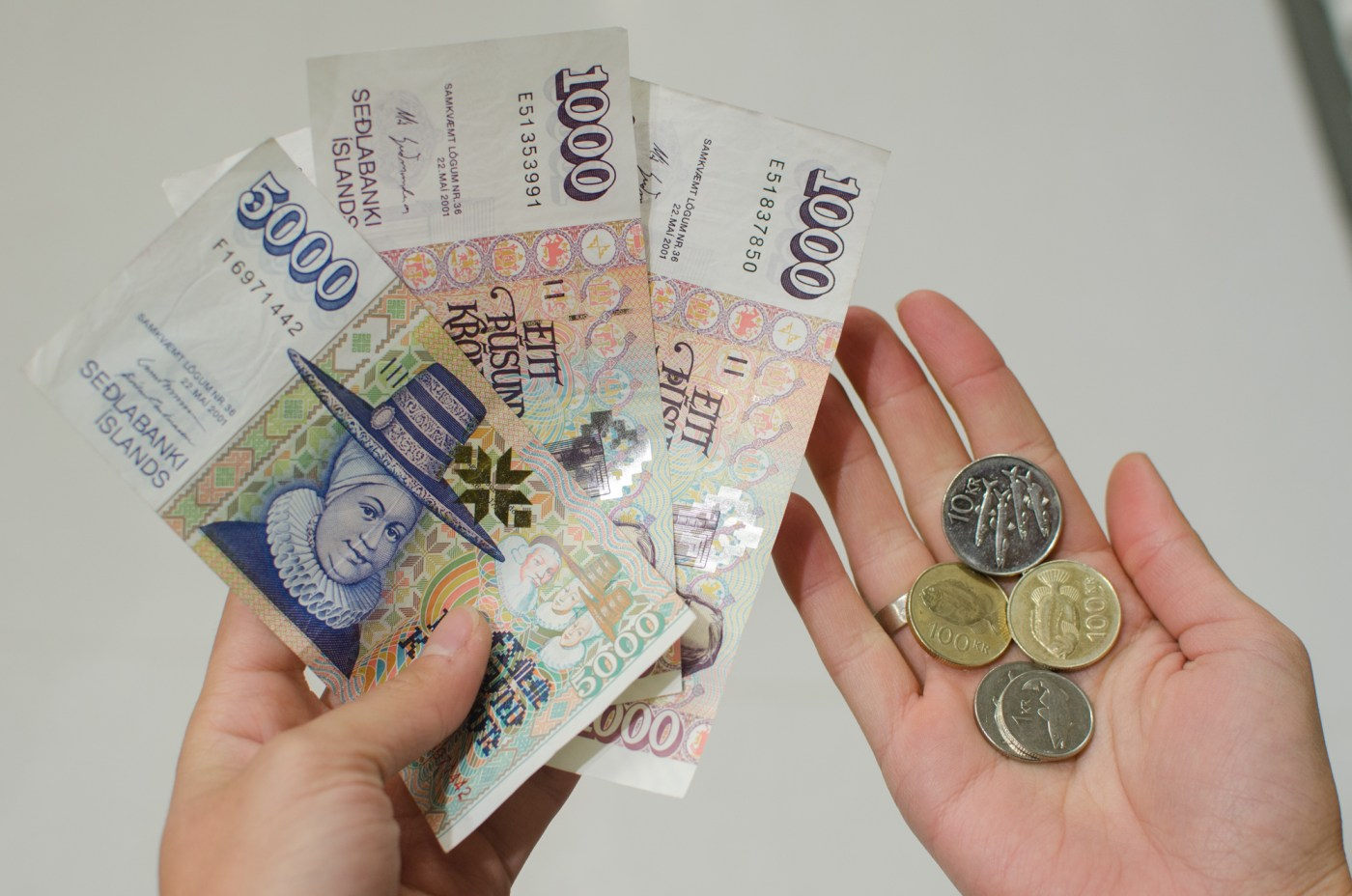 independent people how to cycle in iceland money