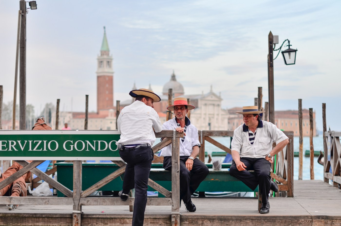 italy venice gondoliers