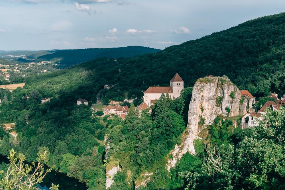 occitanie lot saint cirq lapopie village from above