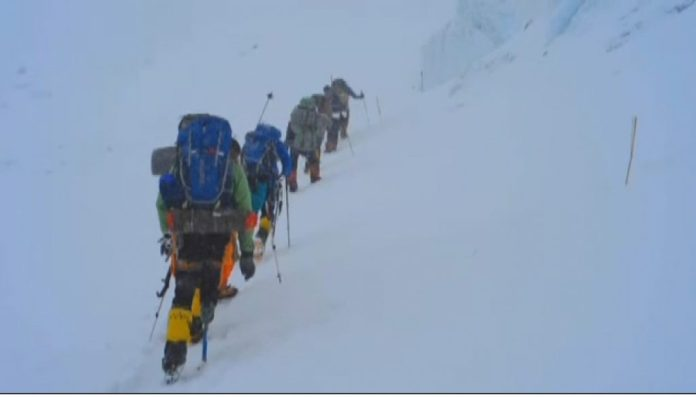 military climb Mt Everest