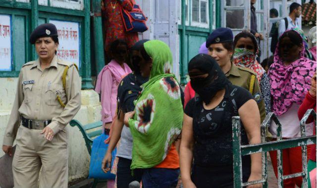 Mumbai: Sex racket busted; 3 held | India.com