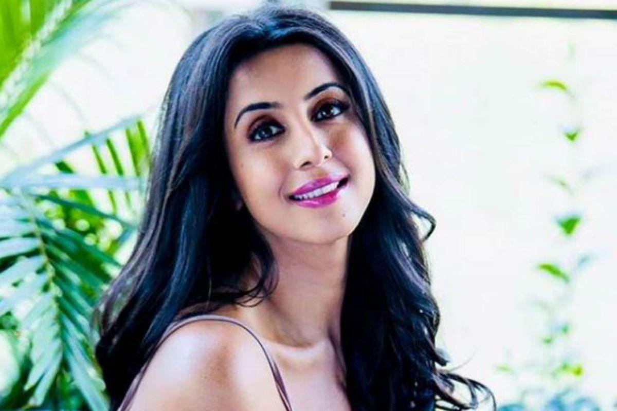 Sandalwood Drug Case: CCB Raids Kannada Actor Sanjana Galrani's Residence | India.com