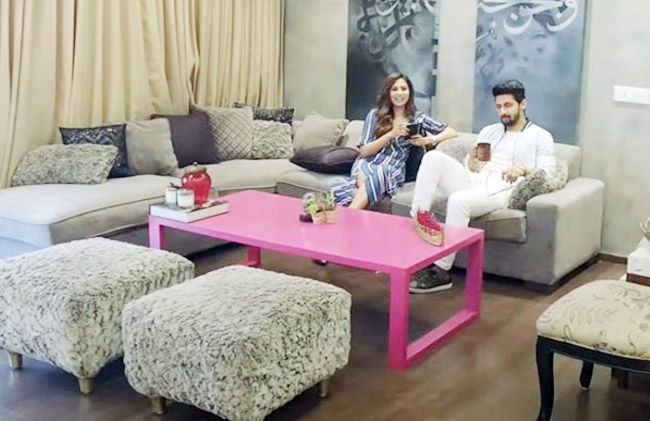 Inside Ravi Dubey and Sargun Mehta's Plush Home: Amazing View Of Mumbai Skyline, in-House Bar, Classy Chandelier and More