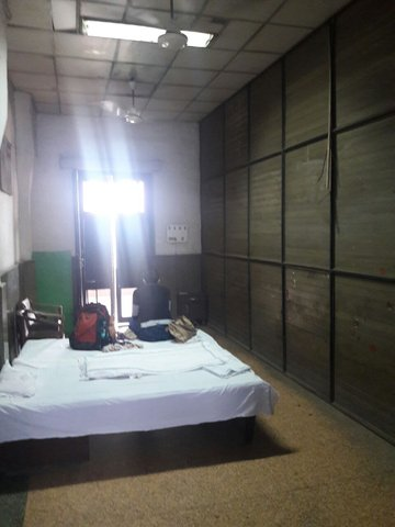 Retiring Room At Old Delhi Railway Station India Travel