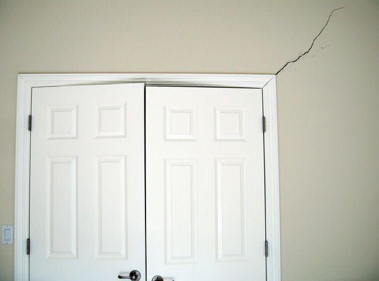 diagonal door crack