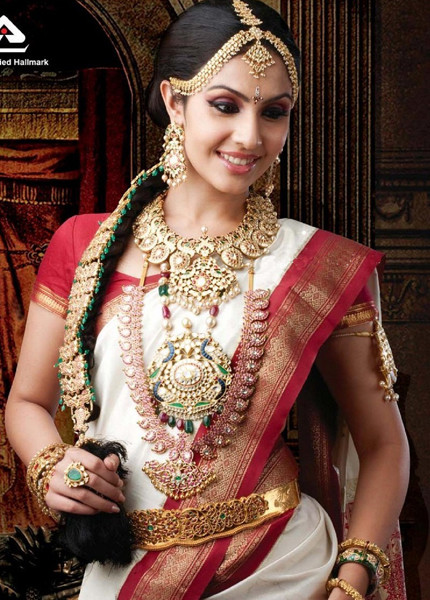 Elegant Looks Of South Indian Brides Indian Beauty Tips