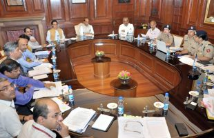 home-minister-reviews-ssb_indianbureaucracy