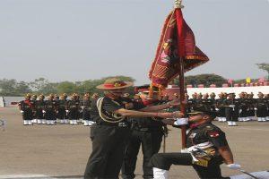 coas-presents-colours-to-2-battalions-of-mahar-regiment_indianbureaucracy