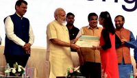 Shraddha received Rs 1 crore Mega reward by PM Modi-IndianBureaucracy