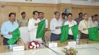 Suresh Prabhu flagging off Hubballi Express- -indianbureaucracy