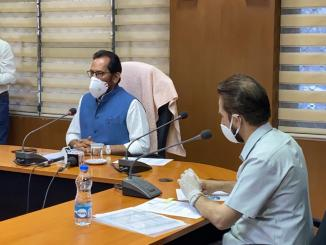 Mukhtar Abbas Naqvi directs senior officials of more than 30 state waqf boards to ensure strict and honest implementation of lockdown, curfew