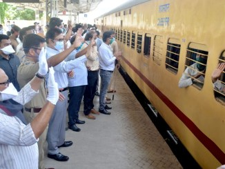 Indian Railways transport more than 21.5 lac migrants through 1600 Shramik Special trains in 19 days