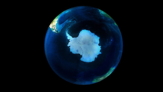 Extreme warming of the South Pole