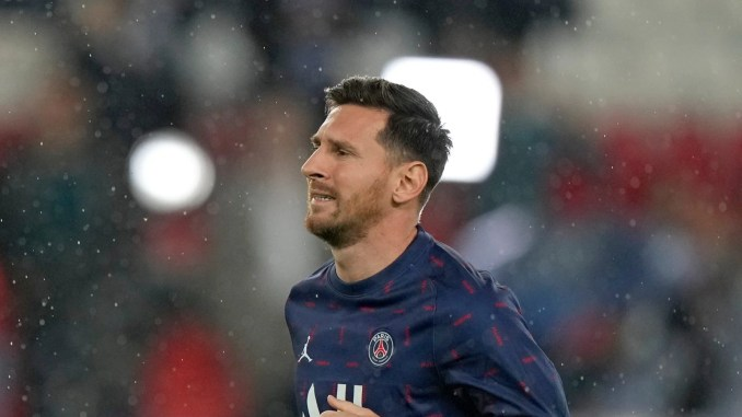 Lionel Messi Suffers Knee Injury, Ruled Out of PSG's Midweek Game Against Metz