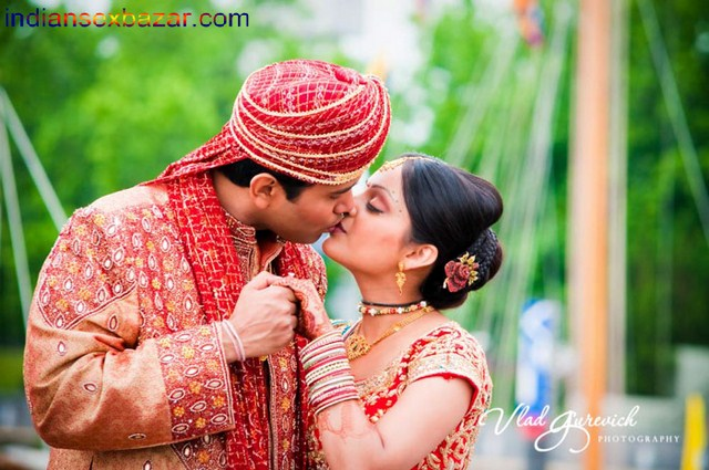 Indian Kissing sexy images 30