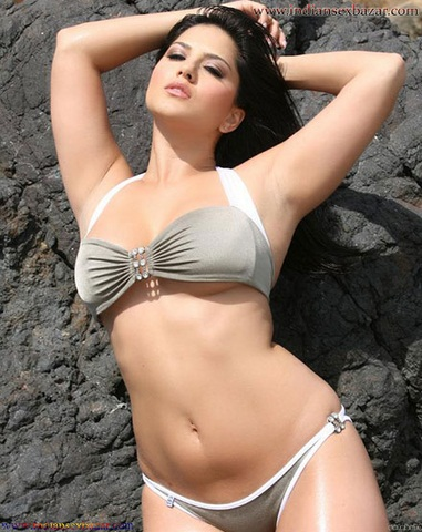 Sunny Leone gets hottest Shine Body Figure Without Clothes Sunny Leone XXX Nude Images Indian girl nude images 4