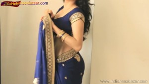 Indian Desi Housewife hot stripping Blue Saree Full Nude Full HD Porn Sexy Navel Gand Choot boobs00022