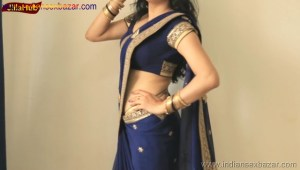 Indian Desi Housewife hot stripping Blue Saree Full Nude Full HD Porn Sexy Navel Gand Choot boobs00025